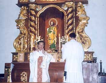 Bishop Manat celebrated his first traditional Mass